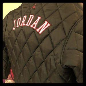 Black puffer jacket 23 Jordan